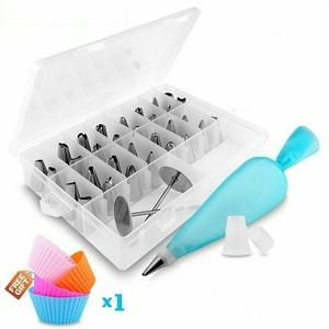 Other - 32 Pieces Cake Decorating Kit